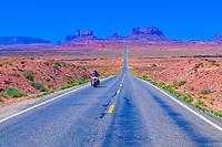 Highway 163, Monument Valley, Utah/Arizona border, USA