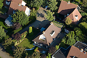 Nederland, Flevoland, Gemeente Almere, 08-09-2009. Villawijkje in Almere-Hout met vrijstaande villa's, villapark Vogelhorst.Almere-Hout, detached villas, villa park .luchtfoto (toeslag); aerial photo (additional fee required); .foto Siebe Swart / photo Siebe Swart