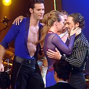 NLD/Baarn/20070527 - Finale Dancing with the Stars 2007, uitslag, winnaar Helga van Leur met danspartner Marcus van Teijlingen, Christophe Haddad en Ilse Lans
