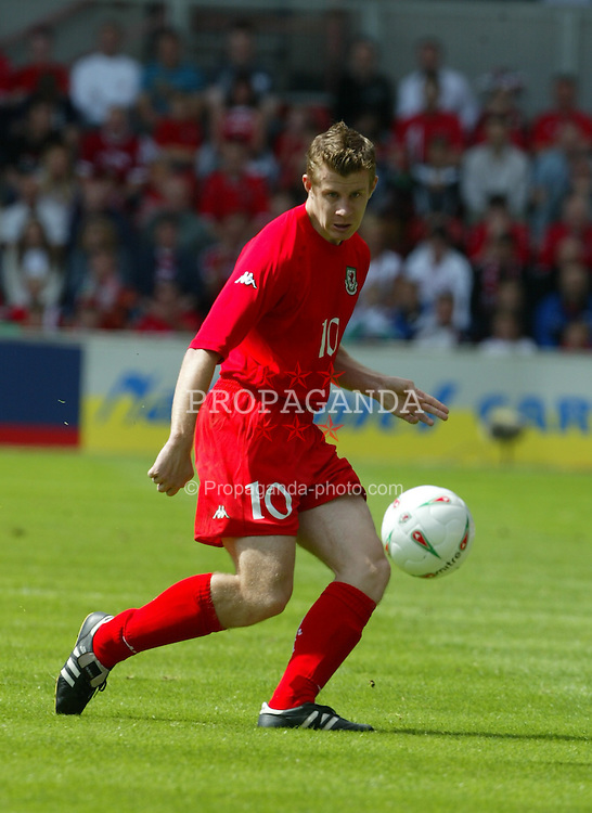 WREXHAM, WALES - SUNDAY MAY 20th 2004:  Wales' Paul Parry in action against Canada during the friendly match at the Racecourse Ground, Wrexham. (Photo by David Rawcliffe/Propaganda)