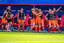 15-06-2019 FRA: Netherlands - Cameroon, Valenciennes<br /> FIFA Women's World Cup France group E match between Netherlands and Cameroon at Stade du Hainaut / Renate Jansen #13 of the Netherlands, Daniëlle van de Donk #10 of the Netherlands, Victoria Pelova #12 of the Netherlands, Danique Kerkdijk #18 of the Netherlands