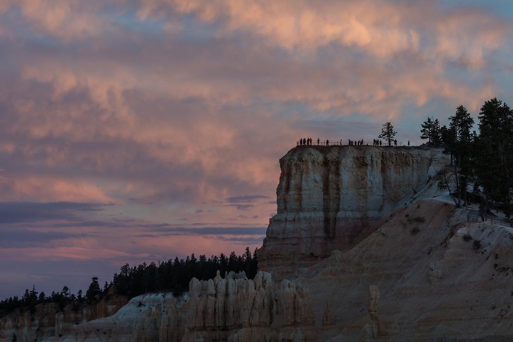 http://Duncan.co/upper-inspiration-point-at-dusk