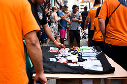 October 3, 2018 - SãO Paulo, Brazil - SÃO PAULO, SP - 03.10.2018: CRESCE O NÚMERO DE TRABALHADORES INFORMAIS - Brazil recorded a negative balance of formal forms for three consecutive years according to IBGE. In the photo informal trade in São Paulo, this Wednesday (3) (Credit Image: © Roberto Casimiro/Fotoarena via ZUMA Press)