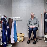 Nederland, Grootebroek, 28 oktober 2016.<br /> Het gaat om een portret van mevr. Suijdman (76). Ze heeft in maart drie dagen op de badkamervloer gelegen, omdat ze niet meer overeind kon komen na een val en niemand haar hoorde.<br /> <br /> Netherlands, Grootebroek, October 28, 2016.<br /> It is a portrait of Mrs. Suijdman (76). In March she fell on the floor of her bathroom and laid there for three days because no one hear her. <br /> <br /> Foto: Jean-Pierre Jans