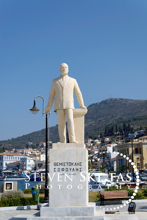 Samos. Greece. Themistoklis Sophoulis monument on the waterfront of Vathy or Samos town. Vathy is situated on a horseshoe shaped bay and is the capital and largest town of Samos.