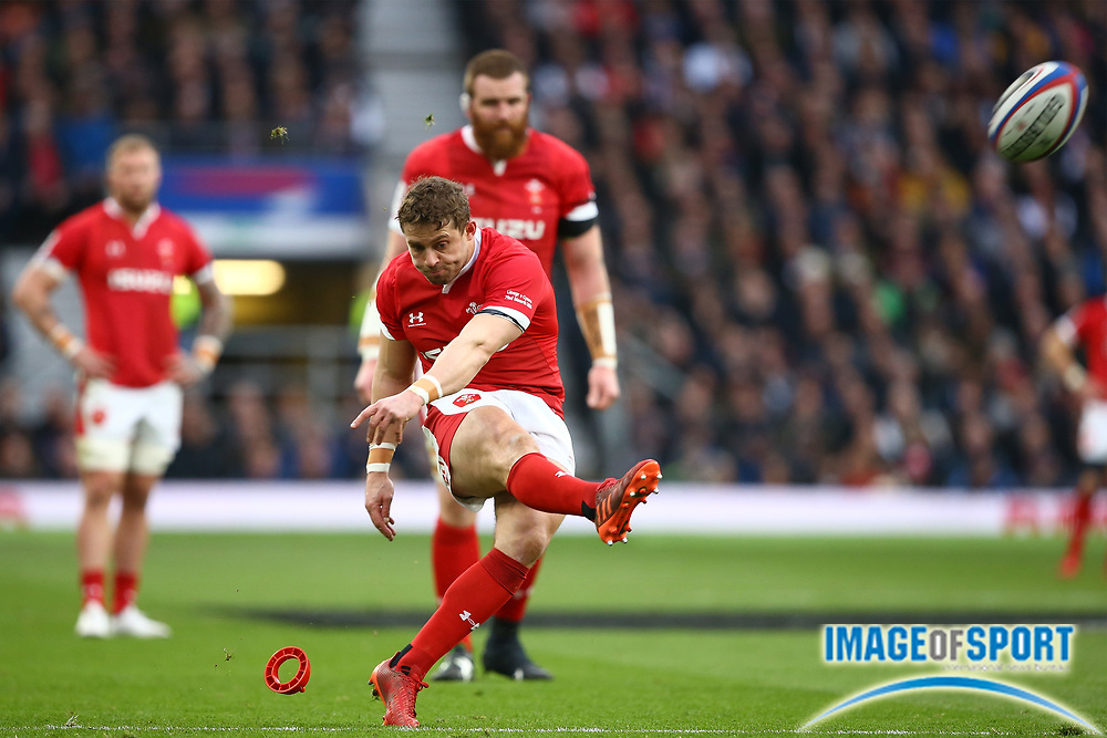 Leigh Halfpenny of Wales kicks a penalty during the Guinness Six Nations between England and Wales at Twickenham Stadium, Saturday, March 7, 2020, in London, United Kingdom. (Mitchell Gunn-ESPA-Images/Image of Sport)