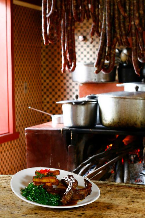 Belo Horizonte_MG, Brasil.<br /> <br /> Costelinha com Polenta e couve no Restaurante Xapuri em Belo Horizonte, Minas Gerais.<br /> <br /> Pork ribs with polenta and collard green in Xapuri Restaurant in Belo Horizonte, Minas Gerais.<br /> <br /> Foto: JOAO MARCOS ROSA /  NITRO