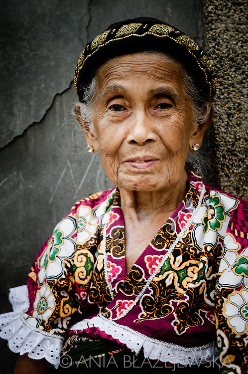 Philippines, Tawi Tawi. Portrait of elderly muslim woman wearing traditional hat. Simunul Island is the place where islam was introduced to the Philippines.