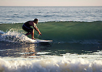 Small wave fun, summertime surfing on the Isle of wight