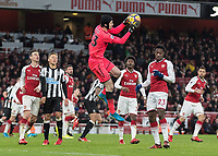 Football - 2017 / 2018 Premier League - Arsenal vs. Newcastle United<br /> <br /> Petr Cech (Arsenal FC) comes to collect another high ball as Newcastle continue to launch late attacks at The Emirates.<br /> <br /> COLORSPORT/DANIEL BEARHAM