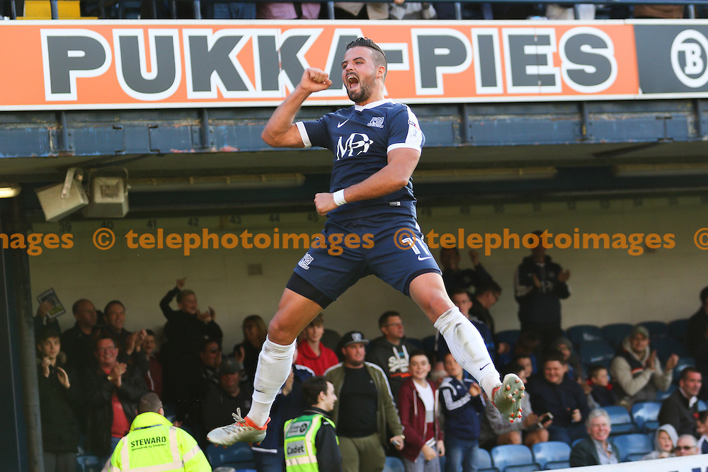 Stephen McLaughlin of Southend United celebrates scoring to make it 1-1 during the Sky Bet League 1 match between Southend United and Shrewsbury Town at Roots Hall in Southend. October 29, 2016.<br /> Arron Gent / Telephoto Images<br /> +44 7967 642437