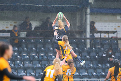 Alex Matthews of Worcester Warriors Women catches at the lineout - Mandatory by-line: Nick Browning/JMP - 24/10/2020 - RUGBY - Sixways Stadium - Worcester, England - Worcester Warriors Women v Wasps FC Ladies - Allianz Premier 15s