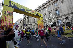 Competitiors at the start line during the 2019 London Landmarks Half Marathon.