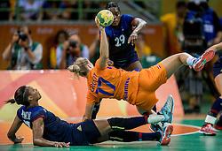 18-08-2016 BRA: Olympic Games day 13, Rio de Janeiro<br /> Het is de handbalsters net niet gelukt om de olympische finale te bereiken. In een zinderend spektakelstuk was Oranje dicht bij een verlenging, maar na de eindzoemer bleken de cijfers van 23-24 de harde werkelijkheid. / Nycke Groot #17