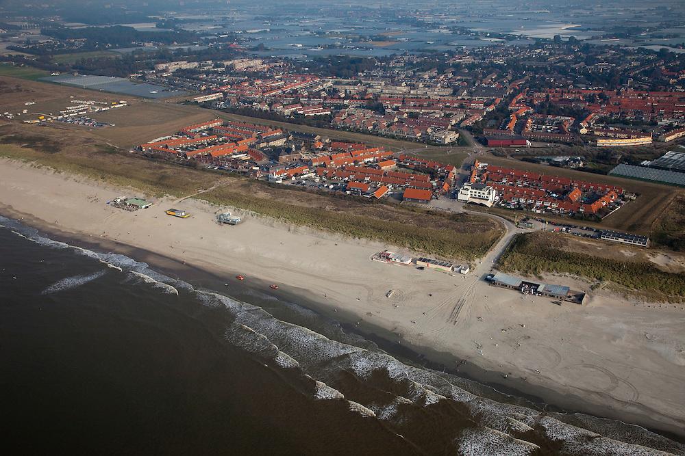 Nederland, Zuid-Holland, Monster, 19-09-2009; de kust van Delfland bij Ter Heijde is een van 'Zwakke Schakels' in de zeewering door de geringe breedte van de duinen. De kust zal worden versterkt door middel van zandsuppletie. The coast near Ter Heijde is known as one of the 'weak links' because of the small width of the dunes. The coast will be strengtened by means of sand-supplementation.luchtfoto (toeslag), aerial photo (additional fee required).foto/photo Siebe Swartee