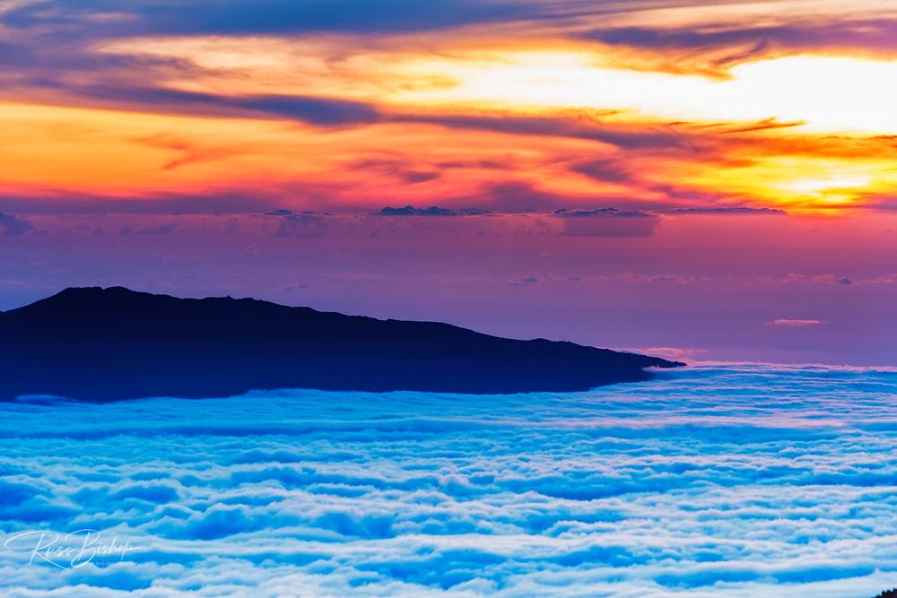 Hualalai Volcano from the summit of Mauna Kea at sunset, The Big Island, Hawaii USA