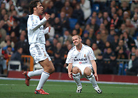 22/12/2004 - La Liga - Real Madrid v Sevilla<br />Real Madrid's Michael Owen, with fellow striker Raul, is frustrated after a shot on goal goes wide during his team's 0-1 loss<br />Photo: Back Page Images