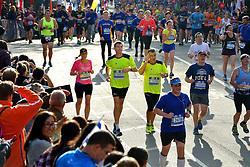 01-11-2015 USA: NYC Marathon We Run 2 Change Diabetes day 4, New York<br /> De dag van de marathon, 42 km en 195 meter door de straten van Staten Island, Brooklyn, Queens, The Bronx en Manhattan / Vicente, Erik