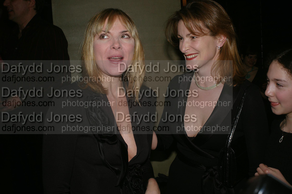 Kim Cattrall and Lady Hall . Whose Life is it Anyway? opening night performance at Comedy Theatre, Panton Street followed by Party at Mint Leaf. London. 26 January 2005. ONE TIME USE ONLY - DO NOT ARCHIVE  © Copyright Photograph by Dafydd Jones 66 Stockwell Park Rd. London SW9 0DA Tel 020 7733 0108 www.dafjones.com