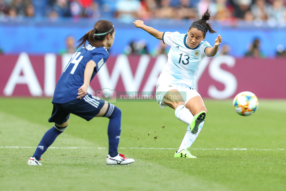 June 10, 2019: Paris, France: Virginia Gomez   of Argentina and Hasegawa  of Japan game valid for group D of the first phase of the Women's Soccer World Cup in the Parc Des Princes. (Credit Image: © Vanessa Carvalho/ZUMA Wire)