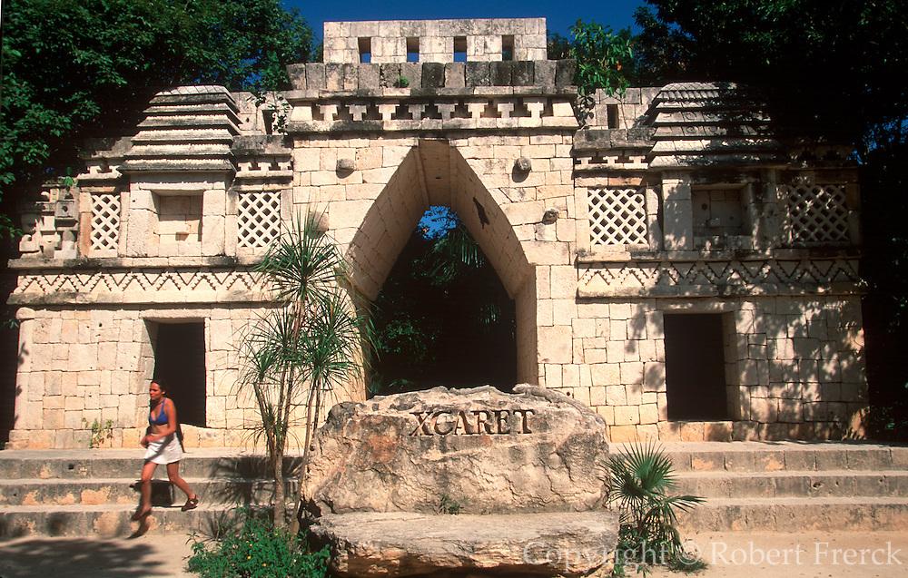 MEXICO, RIVIERA MAYA Xcaret, ecology/archaeological park