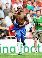 Fotball<br /> England<br /> Foto: Fotosports/Digitalsport<br /> NORWAY ONLY<br /> <br /> Wembley Stadium Community Shield  Manchester United v Chelsea (2-2) 09/08/09 Chelsea win 4-1 on penalties<br /> Salomon Kalou (Chelsea) celebrates after scoring winning penalty