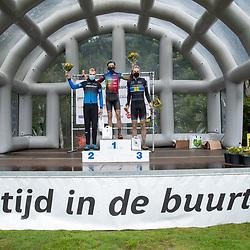 04-10-2020: Wielrennen: Geopark Classic: Gasselte <br />Erik Groen heeft de Hondsrug Classic gewonnen. De renner van Specialized Stappenbelt won de sprint van een kopgroep van zes.Groen bleef in de sprint Thom Bonder en Rick Ottema voor. Ook Roel verhoeven, Maarten Vierhout en Gerben Mos waren tot het laatst mee van voren.