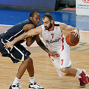 Anadolu Efes's Terence Kinsey (L) and Olympiacos's Vassilis Spanoulis (R) during their Turkish Airlines Euroleague Basketball Top 16 Group E Game 4 match Anadolu Efes between Olympiacos at Sinan Erdem Arena in Istanbul, Turkey, Wednesday, February 08, 2012. Photo by TURKPIX