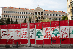 © Licensed to London News Pictures. 27/01/2020. Beirut, Lebanon. Security barricades seen in front of the Grand Serail (Government Palace), in Downtown Beirut, as the government votes on the 2020 budget. Anti government demonstrators have been campaigning against government corruption and economic crisis for 103 days in Lebanon. Photo credit : Tom Nicholson/LNP