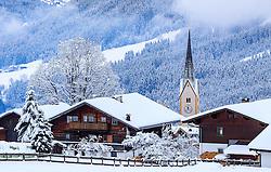 THEMENBILD - Bauernhäuser und der Turm der Kirche von Krimml, aufgenommen am 12. November 2016, Krimml, Österreich // Farmhouses and the tower of the church, Krimml, Austria on 2016/11/12. EXPA Pictures © 2016, PhotoCredit: EXPA/ JFK
