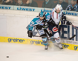 20.09.2015, Keine Sorgen Eisarena, Linz, AUT, EBEL, EHC Liwest Black Wings Linz vs EC VSV, 4. Runde, im Bild Olivier Latendresse (EHC Liwest Black Wings Linz) und Markus Schlacher (EC VSV) // during the Erste Bank Icehockey League 4th round match between EHC Liwest Black Wings Linz and EC VSV at the Keine Sorgen Icearena, Linz, Austria on 2015/09/20. EXPA Pictures © 2015, PhotoCredit: EXPA/ Reinhard Eisenbauer