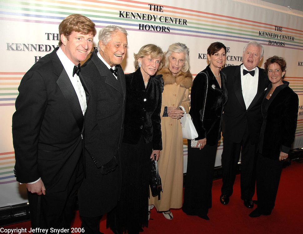 (from l) Cong. Patrick Kennedy, Sargent Shriver, Jean Kennedy Smith, Eunice Shriver, Victoria Anne Reggie, Sen. Ted Kennedy, Kathleen Kennedy Townsend<br />