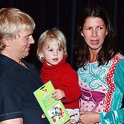 Premiere Sesamstraat Live Den Haag, Anthonie Kamerling, Isa Hoes en zoon Merlijn