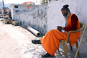 India, Uttarakhand, Rishikesh, Sadhu practitioner of yoga (yogi)
