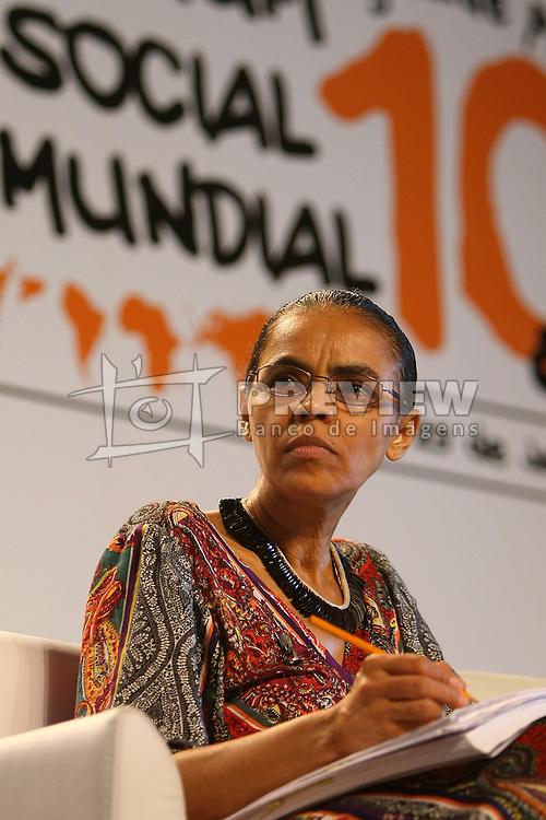 Ex-ministra do Meio Ambiente e candidato presidencial do Partido Verde, Marina Silva participa de um debate no Fórum Social Mundial 2010 em Porto Alegre, Sul do Brasil, 28 de janeiro de 2010. FOTO: Jefferson Bernardes/Preview.com
