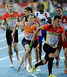 01-08-2010 ATLETIEK: EUROPEAN ATHLETICS CHAMPIONSHIPS: BARCELONA<br /> Netherlands 4x400 meter relay Dennis Spillekom third athlete<br /> ©2010-WWW.FOTOHOOGENDOORN.NL