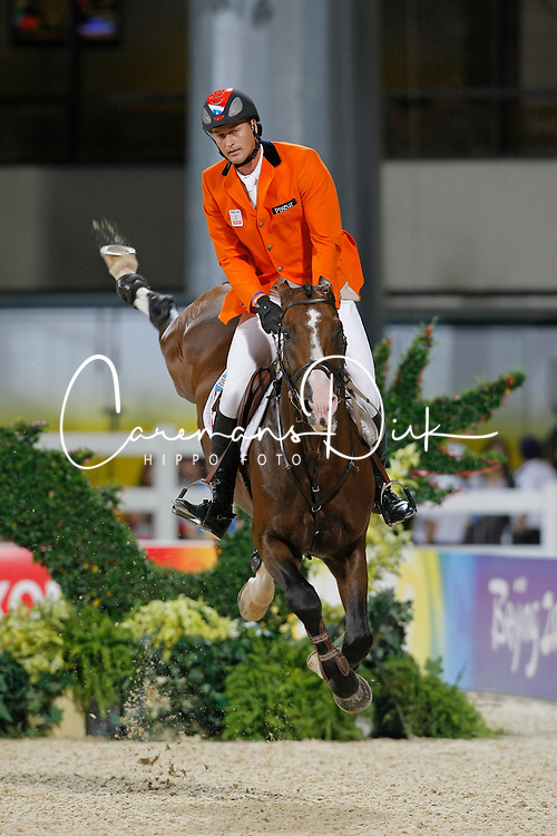 Houtzager Marc (NED) - Opium VS<br /> Olympic Games Hong Kong 2008<br /> Photo © Dirk Caremans - Hippo Foto