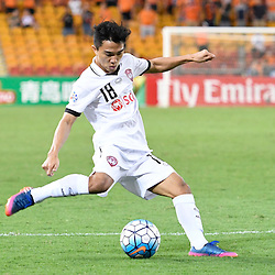 BRISBANE, AUSTRALIA - FEBRUARY 21: Chanathip Songkrasin of Muangthong United shoots on goal during the Asian Champions League Group Stage match between the Brisbane Roar and Muangthong United FC at Suncorp Stadium on February 21, 2017 in Brisbane, Australia. (Photo by Patrick Kearney/Brisbane Roar)