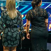 NLD/Amsterdam/20181025 - Finale The Talent Project 2018, Chantal Janzen en Caro Emerald achterzijde
