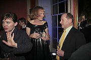 LAURA K. JONES, GRAYSON PERRY AND ANDREW EDMUNDS, Literary Review's Bad Sex In Fiction Prize.  In & Out Club (The Naval & Military Club), 4 St James's Square, London, SW1, 29 November 2006. <br />Ceremony honouring author who writes about sex in a 'redundant, perfunctory, unconvincing and embarrassing way'. ONE TIME USE ONLY - DO NOT ARCHIVE  © Copyright Photograph by Dafydd Jones 248 CLAPHAM PARK RD. LONDON SW90PZ.  Tel 020 7733 0108 www.dafjones.com