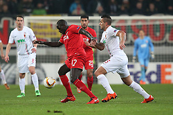 18.02.2016, WWKArena, Augsburg, GER, UEFA EL, FC Augsburg vs FC Liverpool, Sechzehntelfinale, Hinspiel, im Bild Mamadou Sakho ( FC Liverpool ) Raul Bobadilla ( FC Augsburg ) // during the UEFA Europa League Round of 32, 1st Leg match between FC Augsburg and FC Liverpool at the WWKArena in Augsburg, Germany on 2016/02/18. EXPA Pictures © 2016, PhotoCredit: EXPA/ Eibner-Pressefoto/ Langer<br /> <br /> *****ATTENTION - OUT of GER*****
