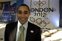 Photo. Daniel Hambury.<br /> London 2012 Candidate City Photo Call.<br /> Canary Wharf. 19/11/2004.<br /> Great Britains Olympic sprinter, Jason Gardner at the photo call for the London 2012 Olympic bid<br /> NORWAY ONLY