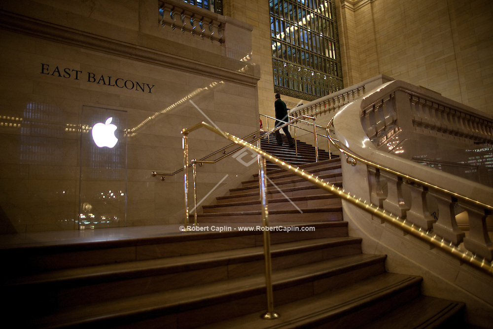 The new Apple Store press preview at Grand Central Terminal in New York. ..Photo by Robert Caplin.