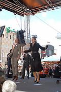 Her Majesty the queen and members of the royal family celebrate Saturday 29 April 2006 Queensday in the province flevoland in the cities  Zeewolde and almere.<br /> <br /> Hare Majesteit de Koningin en leden van de Koninklijke Familie vieren zaterdag 29 april 2006 Koninginnedag mee in de provincie Flevoland en wel in Zeewolde en Almere.<br /> <br /> On the Photo / Op dce foto: Princess maxima and prince Maurits is busy with virtual bites-the-cake during Queensday in almere / <br /> Prinses Maxima en Prins Maurits zijn bezig met virtueel koekhappen tijdens Koninginnedag in Almere.