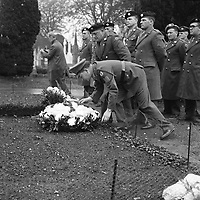 Laying a wreath at Arbour Hill to commemorate the 50th anniversary of the Rising. (Part of the Independent Newspapers Ireland/NLI Collection)
