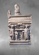 """End panel of a Roman relief sculpted sarcophagus with kline couch lid with a reclining male figuer depicted, """"Columned Sarcophagi of Asia Minor"""" style typical of Sidamara, 3rd Century AD, Konya Archaeological Museum, Turkey. .<br /> <br /> If you prefer to buy from our ALAMY STOCK LIBRARY page at https://www.alamy.com/portfolio/paul-williams-funkystock/greco-roman-sculptures.html . Type -    Konya     - into LOWER SEARCH WITHIN GALLERY box - Refine search by adding a subject, place, background colour, museum etc.<br /> <br /> Visit our ROMAN WORLD PHOTO COLLECTIONS for more photos to download or buy as wall art prints https://funkystock.photoshelter.com/gallery-collection/The-Romans-Art-Artefacts-Antiquities-Historic-Sites-Pictures-Images/C0000r2uLJJo9_s0"""