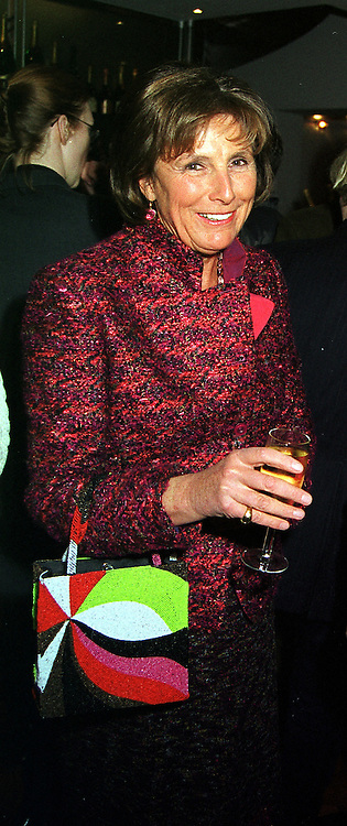 LADY AMABEL LINDSAY at a party in London on 29th November 1999.<br /> MZN 34 wo