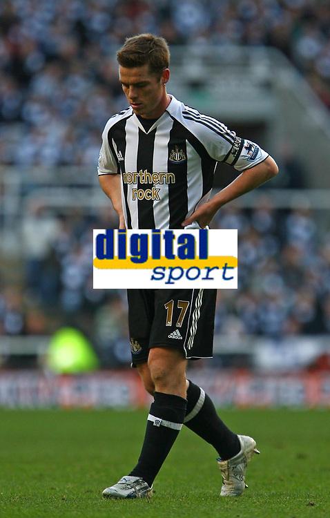Photo: Andrew Unwin.<br /> Newcastle United v Portsmouth. The Barclays Premiership. 26/11/2006.<br /> Newcastle's Scott Parker.