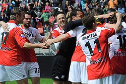 16-05-2010 VOETBAL: FC UTRECHT - RODA JC: UTRECHT<br /> FC Utrecht verslaat Roda in de finale van de Play-offs met 4-1 en gaat Europa in / Jacob Lenski, Michel Vorm, Michael Silberbauer, Tim Cornelisse, Jacob Mulenga, Dries Mertens<br /> ©2010-WWW.FOTOHOOGENDOORN.NL