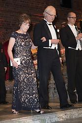 Odile Belmont, Kˆnig Carl XVI Gustaf <br /> <br />  <br /> <br />  beim Nobelbankett 2016 im Rathaus in Stockholm / 101216 <br /> <br /> <br /> <br /> ***The Nobel banquet, Stockholm City Hall, December 10th, 2016***